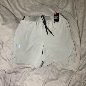 NWT Under Armour UA Woven Stretch Shorts Grey Med